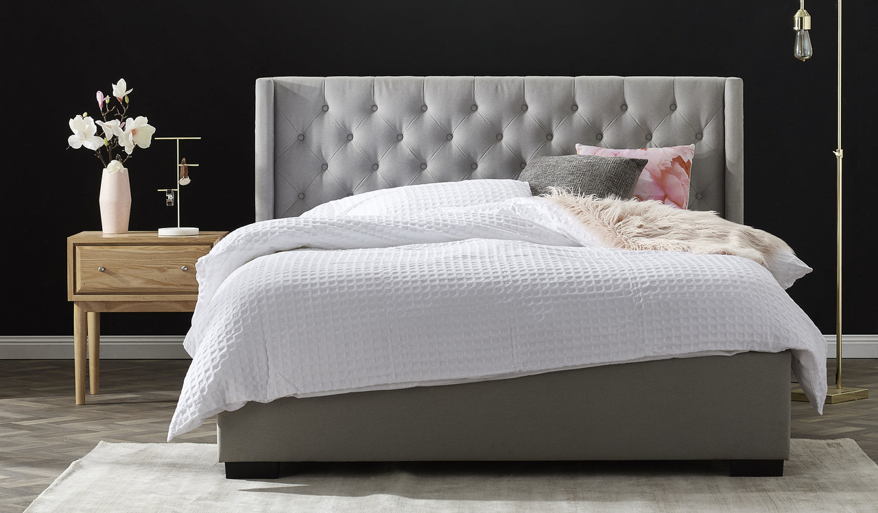 Almore-light-grey-upholstered-queen-bed-with-buttoned-tufted-headboard__80916.1520481414