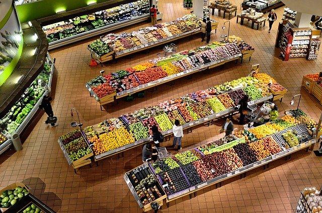 Možné zlúčenie dvoch supermarketov môže zničiť Tesco